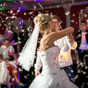 Überraschung auf Hochzeitsfeier
