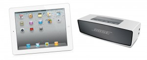 Kleines Equipment Bose Soundlink mini und iPad