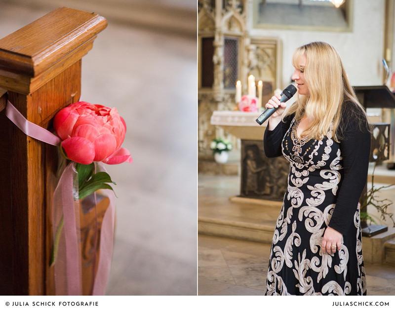 Kirchenschmuck und Sängerin LoreLei in der St. Dionysius-Kirche Havixbeck